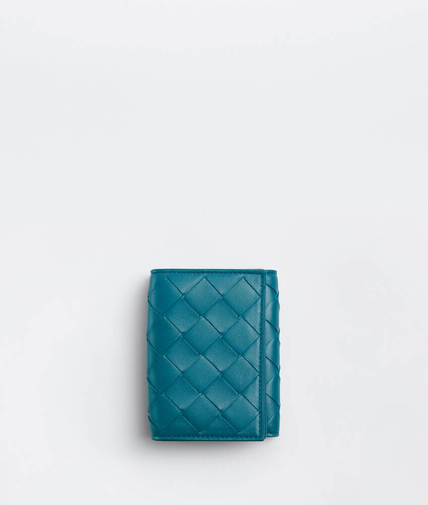 Display a large version of the product image 1 - small tri-fold flap wallet