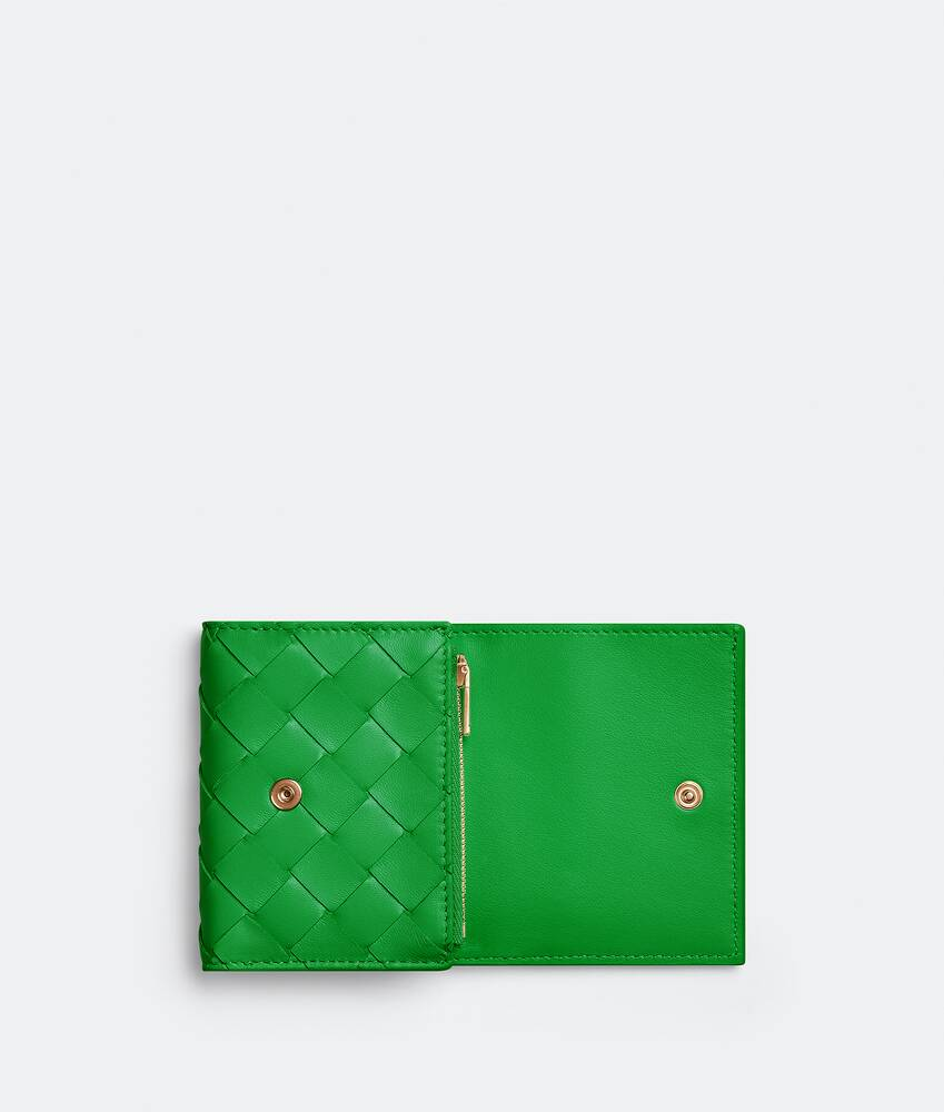 Display a large version of the product image 4 - small tri-fold zip wallet