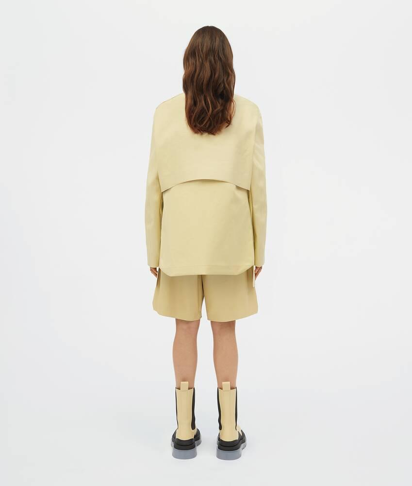 Afficher une grande image du produit 3 - veste