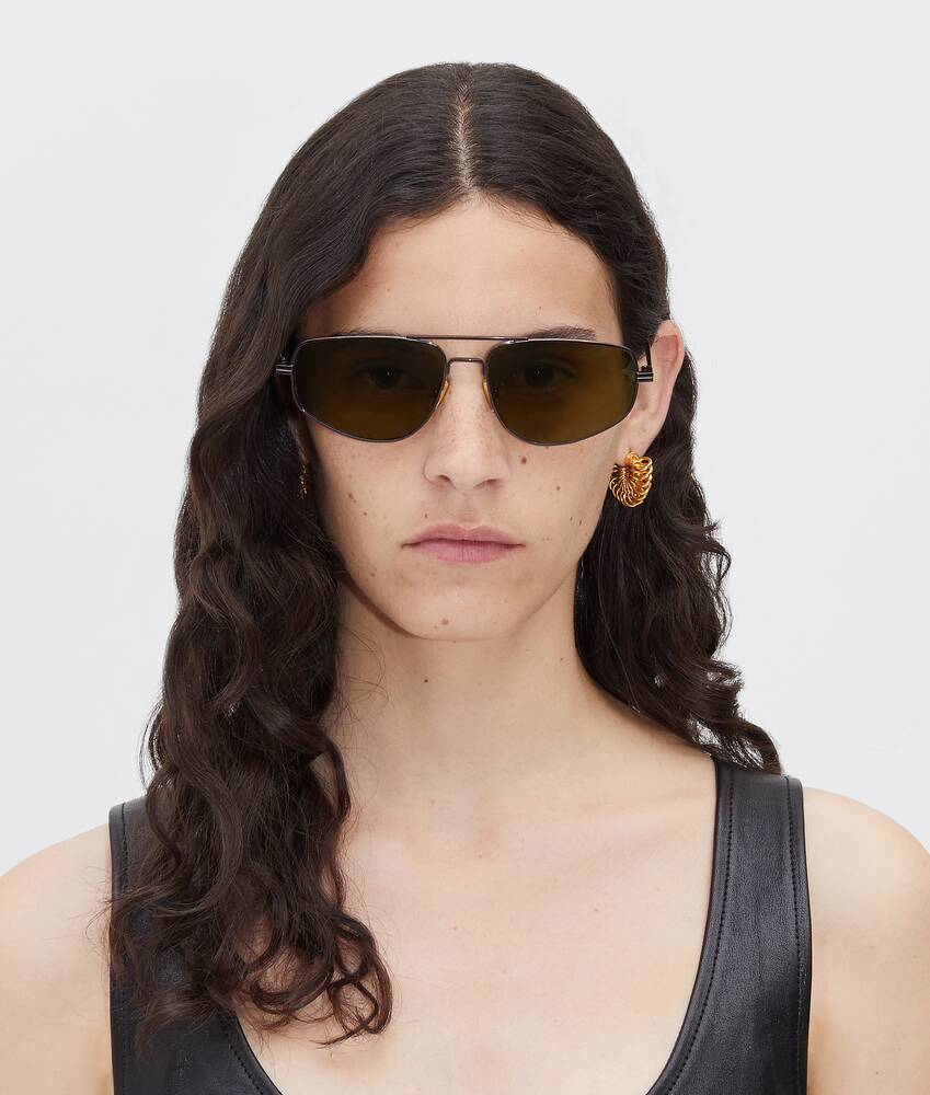 Display a large version of the product image 4 - sunglasses