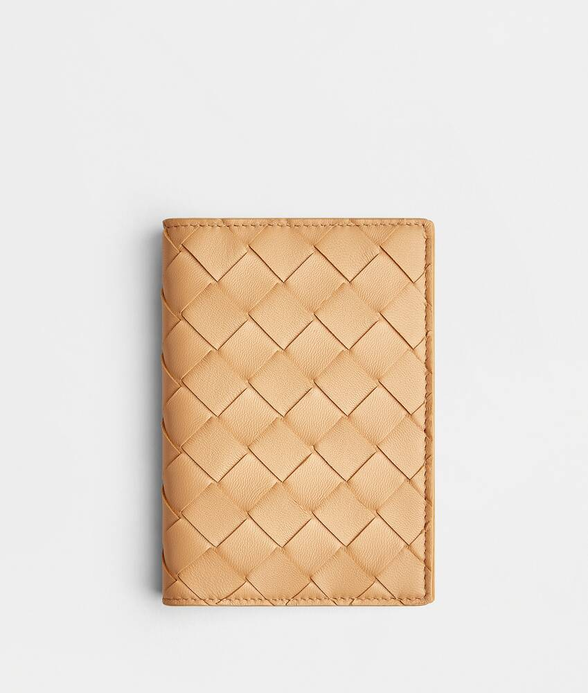 Display a large version of the product image 1 - passport case
