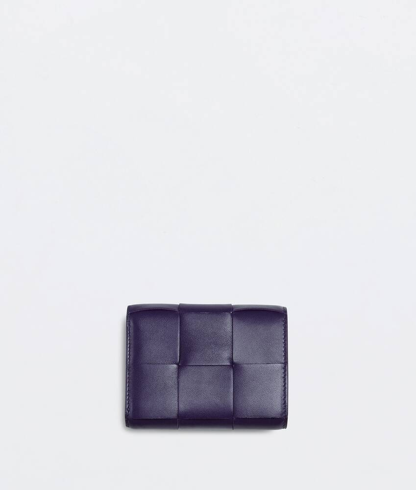 Display a large version of the product image 3 - tri-fold zip wallet