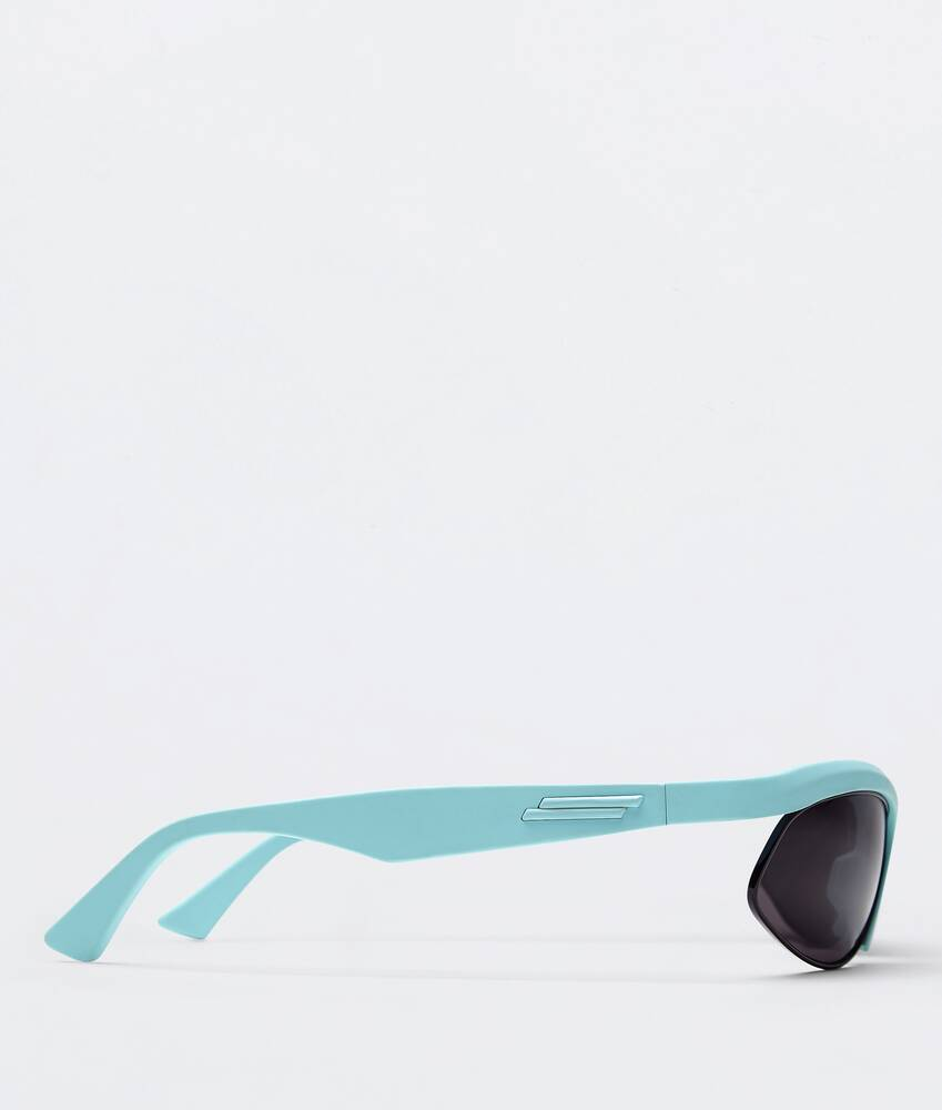 Display a large version of the product image 2 - sunglasses