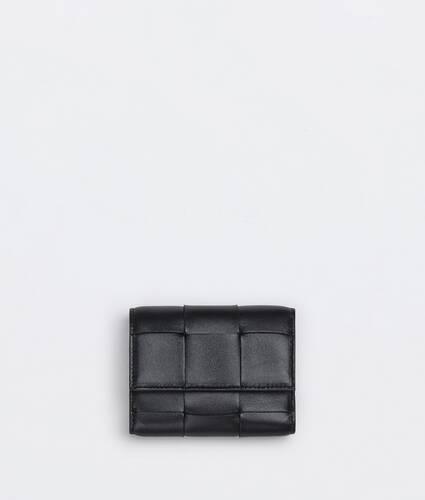 portafoglio tri-fold con patta piccolo
