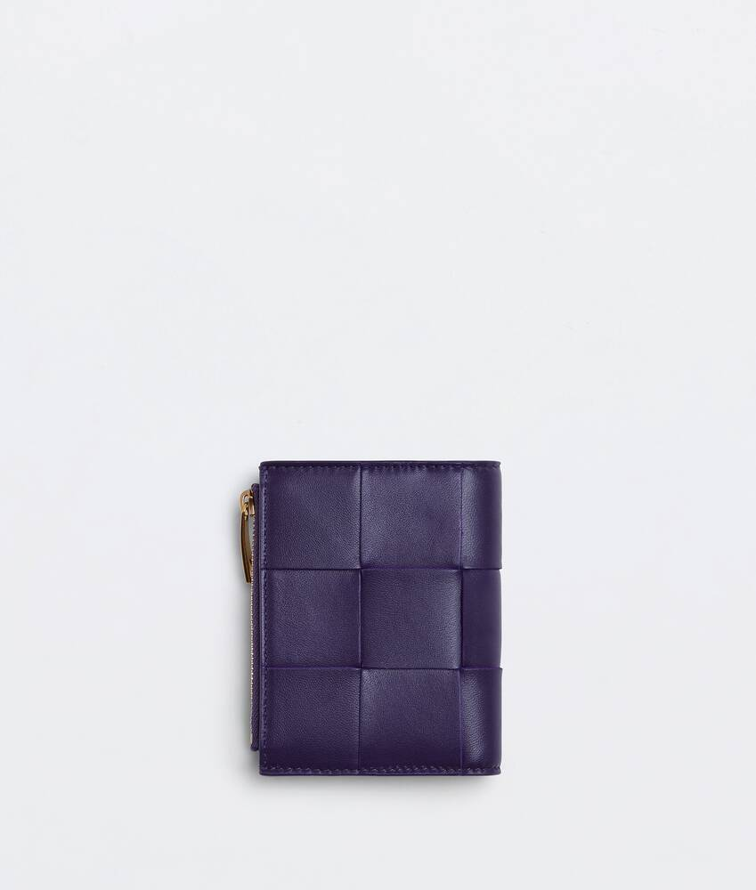 Display a large version of the product image 3 - tri-fold wallet