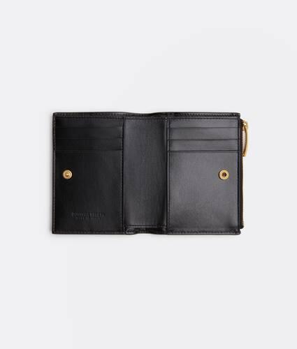 bi-fold flap wallet