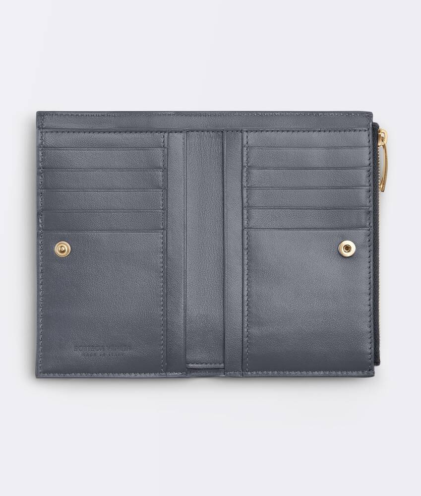 Display a large version of the product image 2 - bi-fold zip wallet