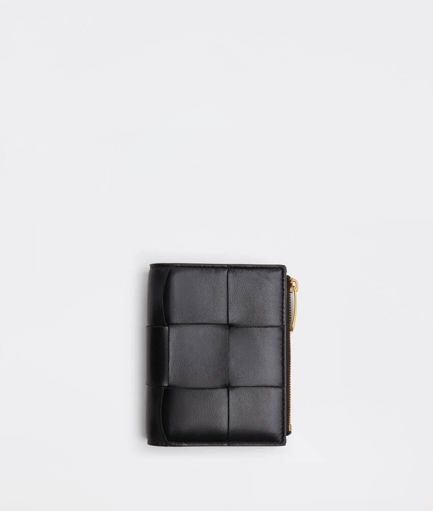 Display a large version of the product image 1 - bi-fold flap wallet