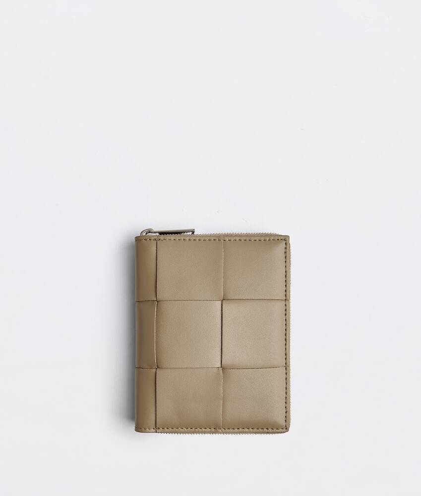 Display a large version of the product image 1 - zip around wallet