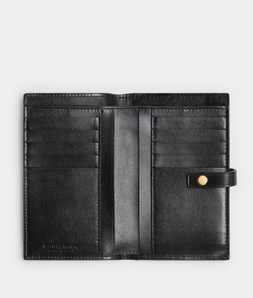Display a large version of the product image 3 - bi-fold zip wallet