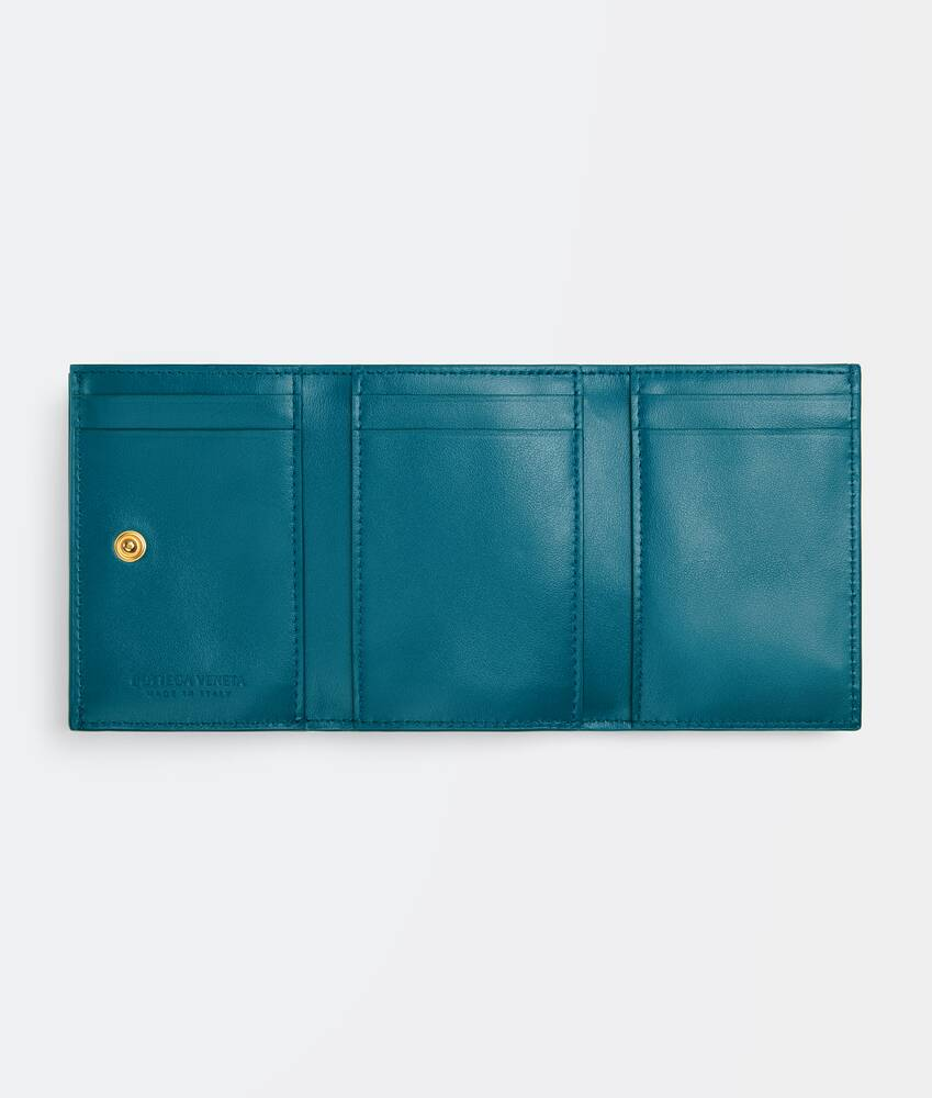 Display a large version of the product image 4 - small tri-fold flap wallet