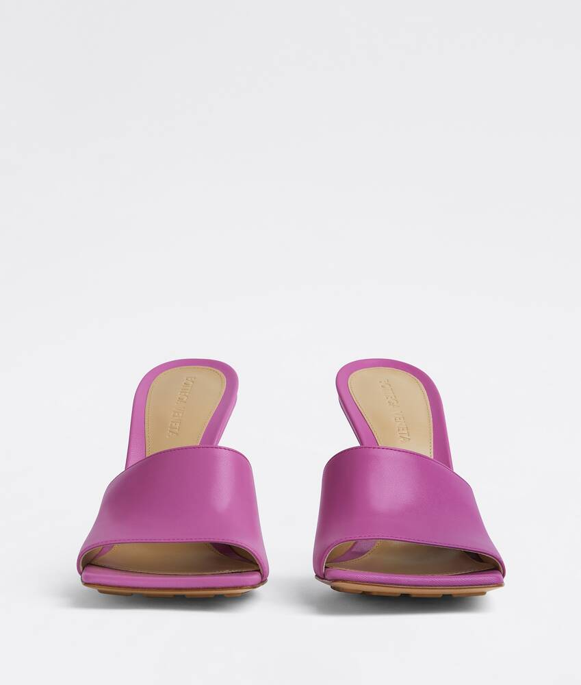 Display a large version of the product image 2 - stretch mules