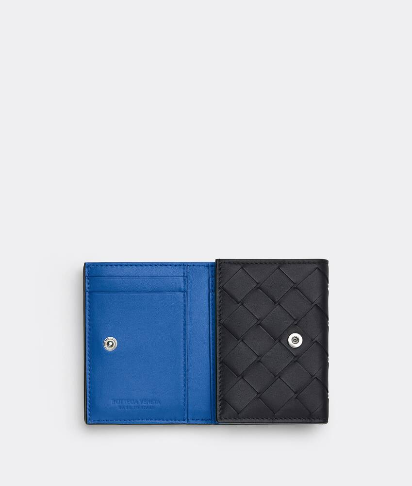 Display a large version of the product image 4 - tri-fold flap wallet