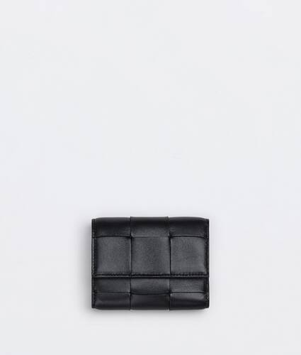 tri-fold zip wallet
