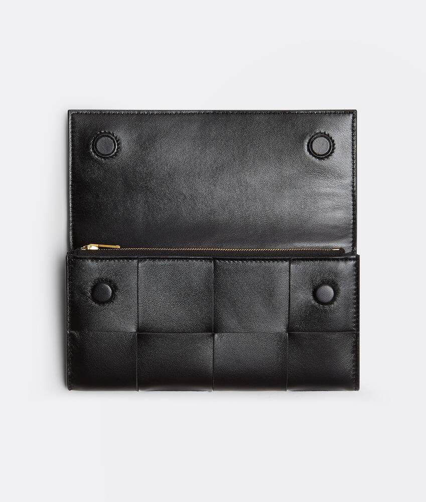 Display a large version of the product image 2 - large flap wallet
