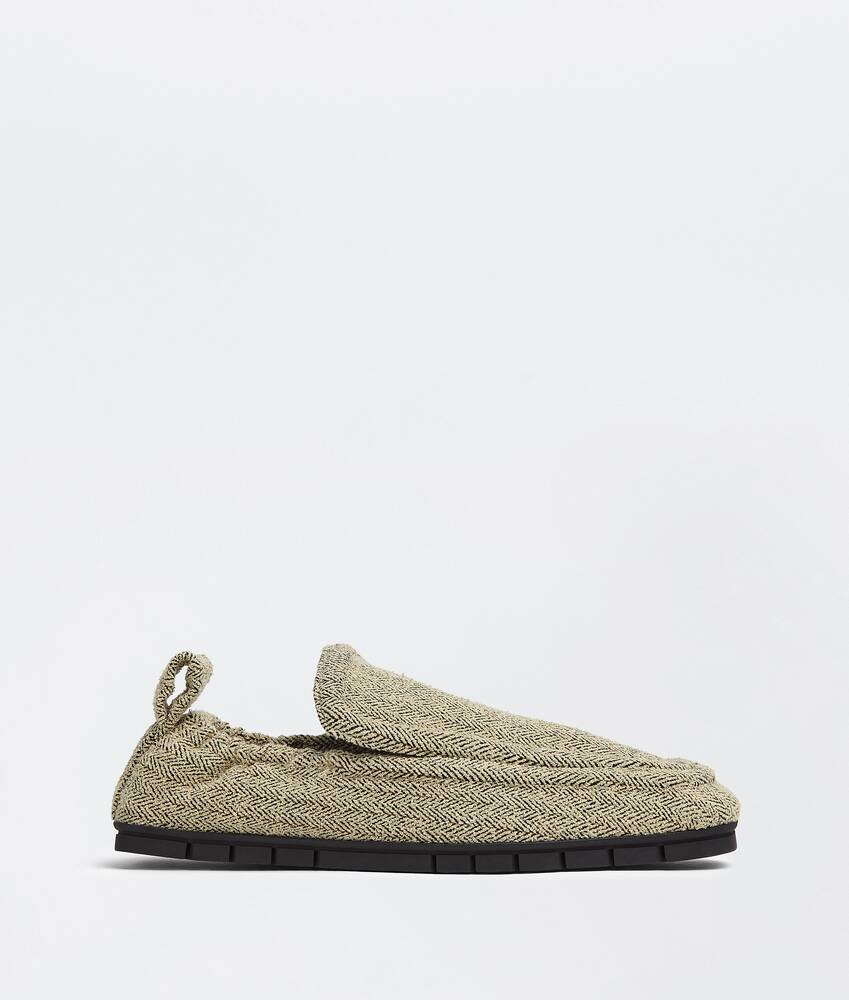 Display a large version of the product image 1 - plank loafers